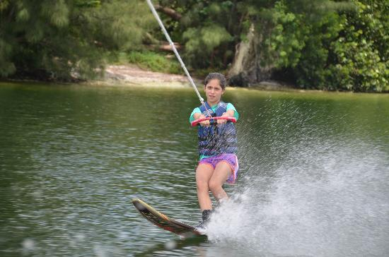 LTS Wakeboard, Wakesurf and Waterski: My Eldest learned to slalom in 5 minutes