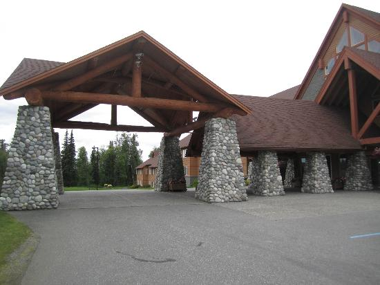 Talkeetna Alaskan Lodge: Main entrance