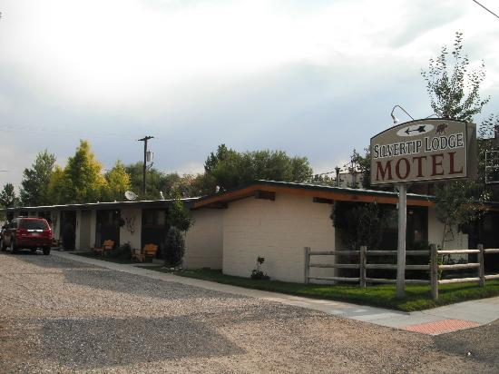 Silvertip Lodge Motel