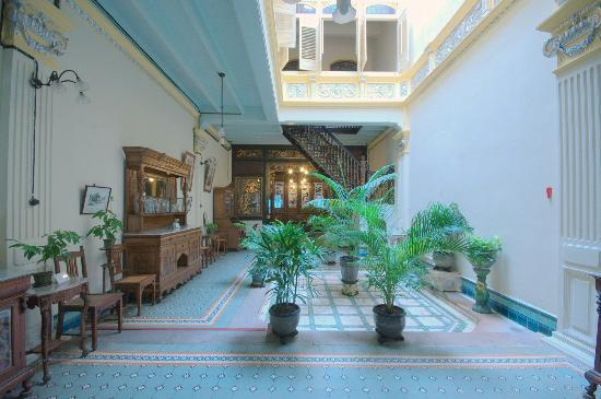 Baba & Nyonya Heritage Museum: Airwell of the home