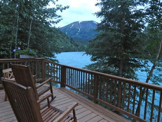 Kenai Riverside Lodge: Spend an evening relaxing by the river.