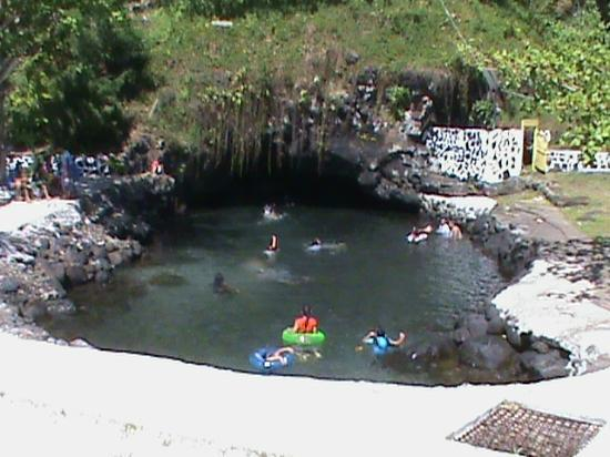 Piula Cave Pool: Pool outside the cave entrance