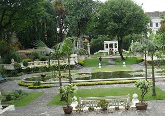HI Peace Garden Restaurant