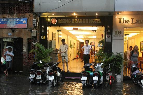 Rising Dragon Estate Hotel: Monsoon rains outside hotel