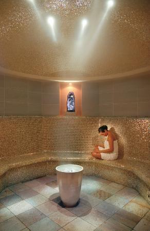 The Landmark Mandarin Oriental, Hong Kong: The Oriental Spa - Amethyst Crystal Steam Room