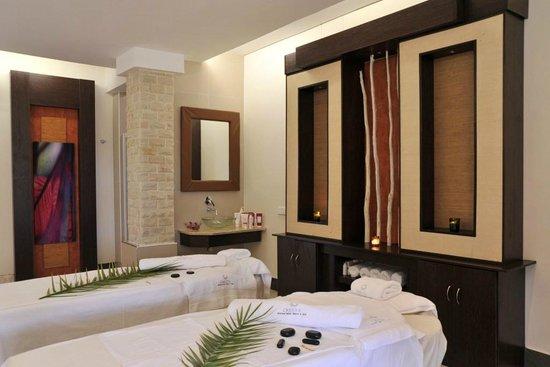 Cresta Mowana Safari Resort and Spa: Spa Treatment Room