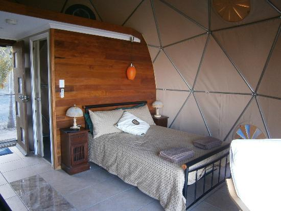 Weltevreden Domes Retreat: sleeping in the dome