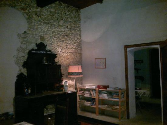 Torre Galli Resort & Restaurant: Pietra a vista