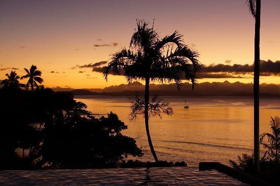 Taveuni Island Resort & Spa: プール付近からの夕暮れ