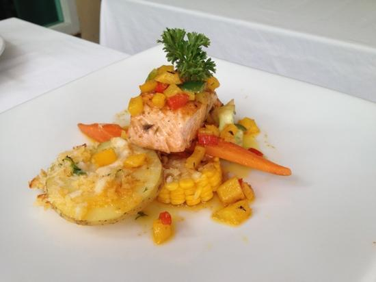 Mali Seafood Restaurant & Bar: Salmon steak