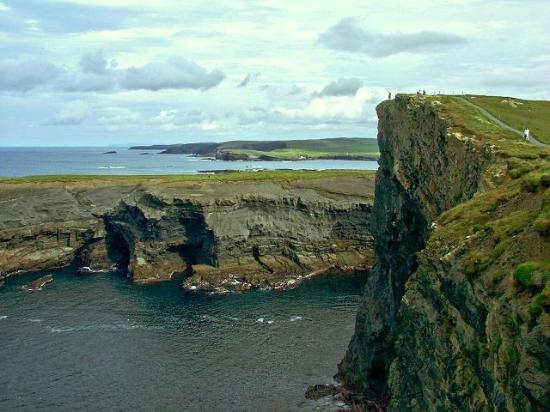 Nolan's B&B: Kilkee Cliffs