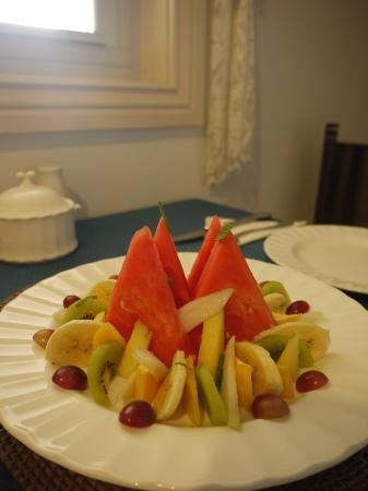Ruskin House: Fruit platter - appetizer