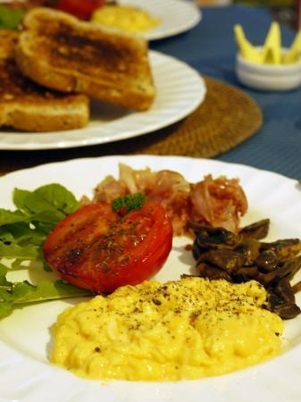 Ruskin House: Ham, eggs, mushrooms and tomatoes - Main