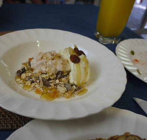 Ruskin House: muesli and yoghurt