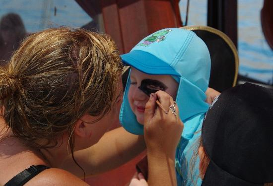 Holiday Village Rhodes : Face painting Pirate Cruise