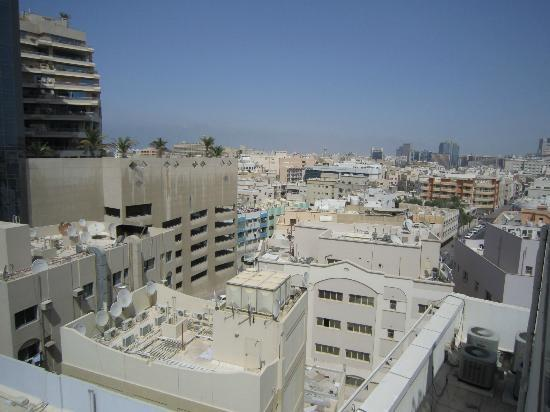 فندق رينيو: vue depuis la terrasse-piscine 