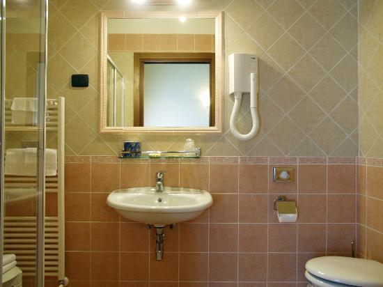 บี แอนด์ บี เรซิเดนซ่า เดลลา ซิกโนเรีย: Bathroom