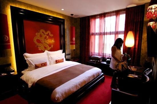 The suite picture of buddha bar hotel prague prague for The boutique hotel prague