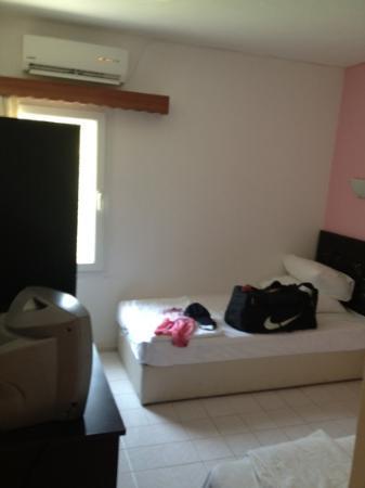 Belesh Hotel: room