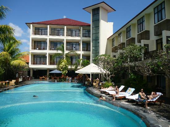 BEST WESTERN Resort Kuta : Hotel pool
