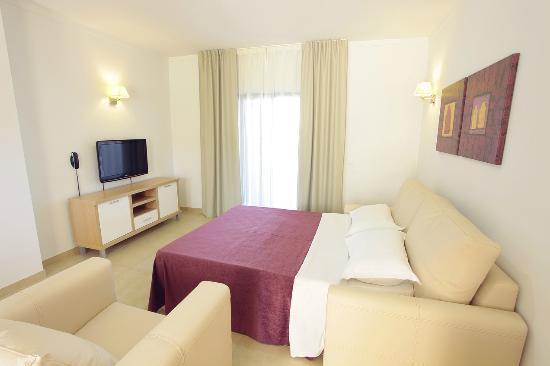 Sagres Time Apartamentos : Sofa bed