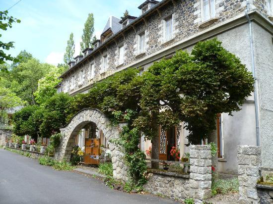 Photo of Hotel Des Pins Murol