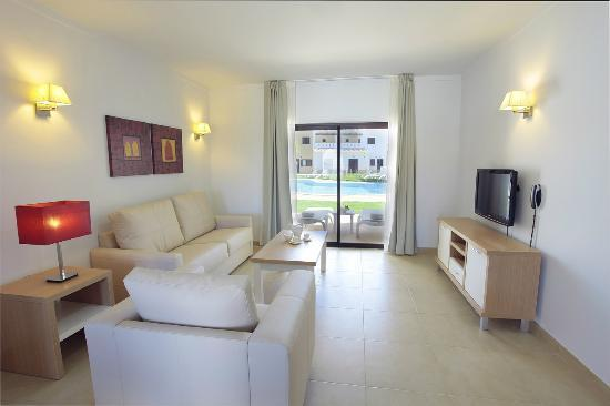 Sagres Time Apartamentos: Living room
