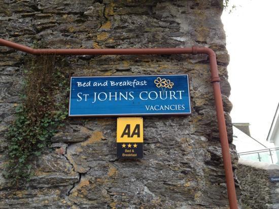 St Johns Court: St. John's Court B e B
