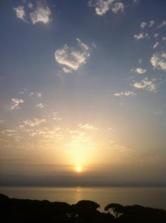 BLAUCEL: lever de soleil vue de la chambre