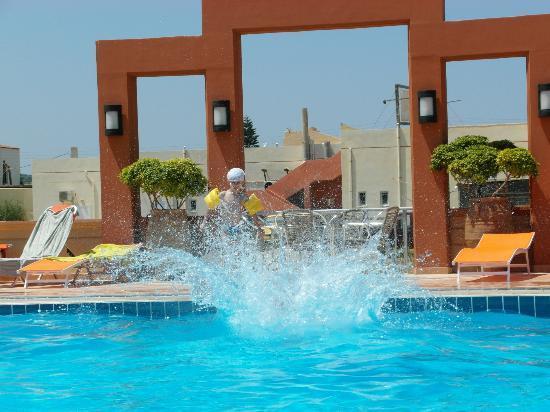 Castro Beach Hotel: Basen