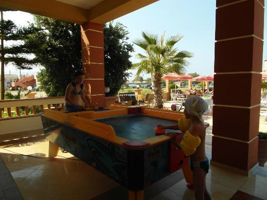 Castro Beach Hotel: Zabawy dzieci