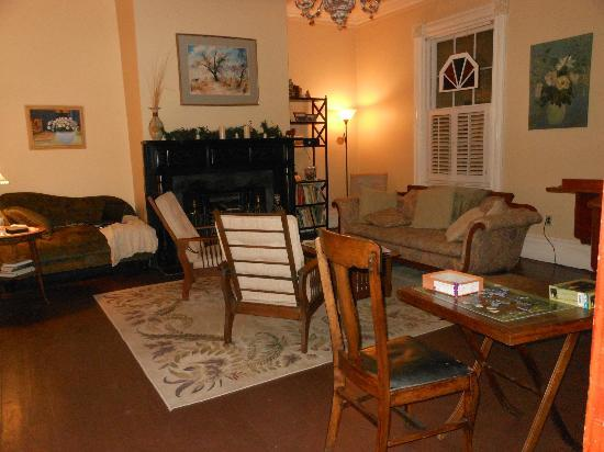 The Borland B&B & Brunch House: Living Room