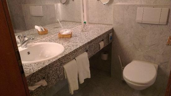Hotel Schloessli Ipsach: Bathroom
