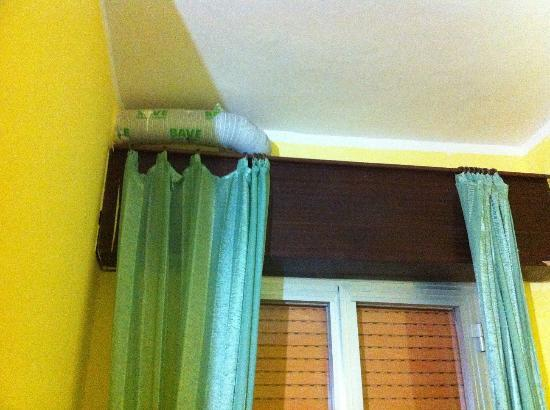 Bella finestra - Picture of Hotel Sara, Santa Maria al Bagno ...