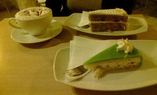 Jalie's Coffee: Carrot Cake & Casatella Siciliana