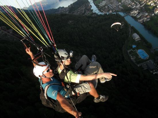 Swiss Paragliding: During the glide