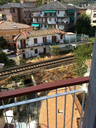 Hotel Adler: Ferrovia