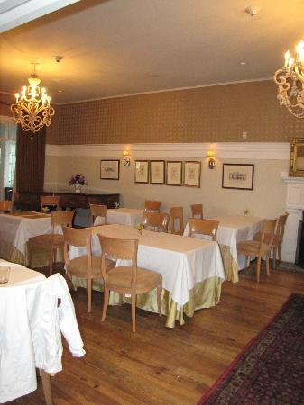 The Clifton: Dining Room