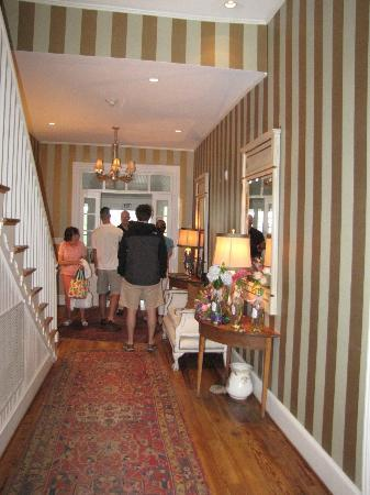 Clifton Inn: Foyer & Hallway