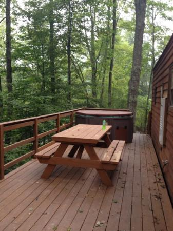 ACE Adventure Resort: Cozy cabin deck