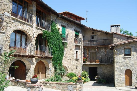 Masia Serradell: Edificios de la masia