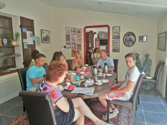 Maison Castellane: dining room