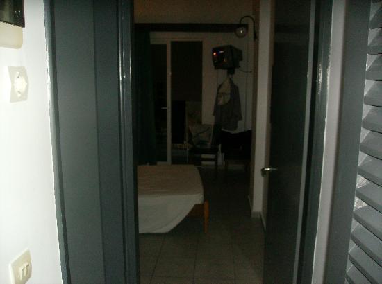 Moschos Hotel: room 201