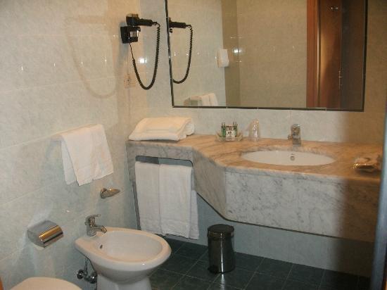 Hotel Terre di Casole: bagno