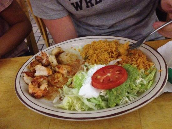 Los Abuelitos Mexican Restaurant : Shrimp and Scallops with Rice and Guac