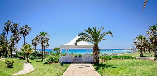Nissi Beach Resort: wedding gazebo
