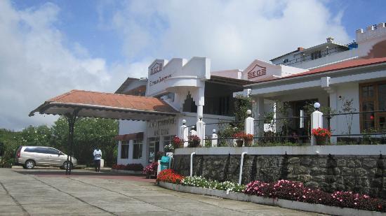 Elysium Garden Hill Resorts: c