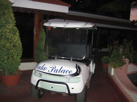 Lake Palace Resort: Battery operated car