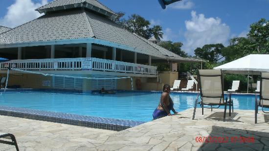 Divi Southwinds Beach Resort: Poolside