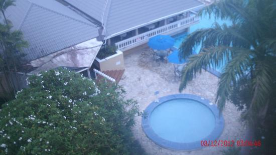Divi Southwinds Beach Resort: looking down on pool
